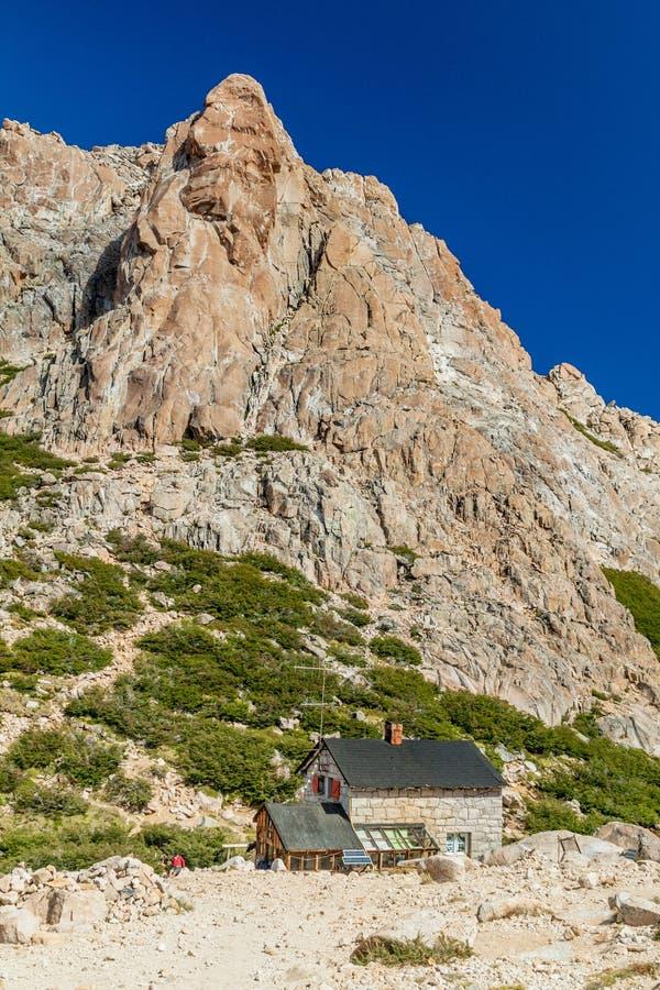 Хижина Refugio Frey горы около Bariloche, Аргентины стоковое изображение rf
