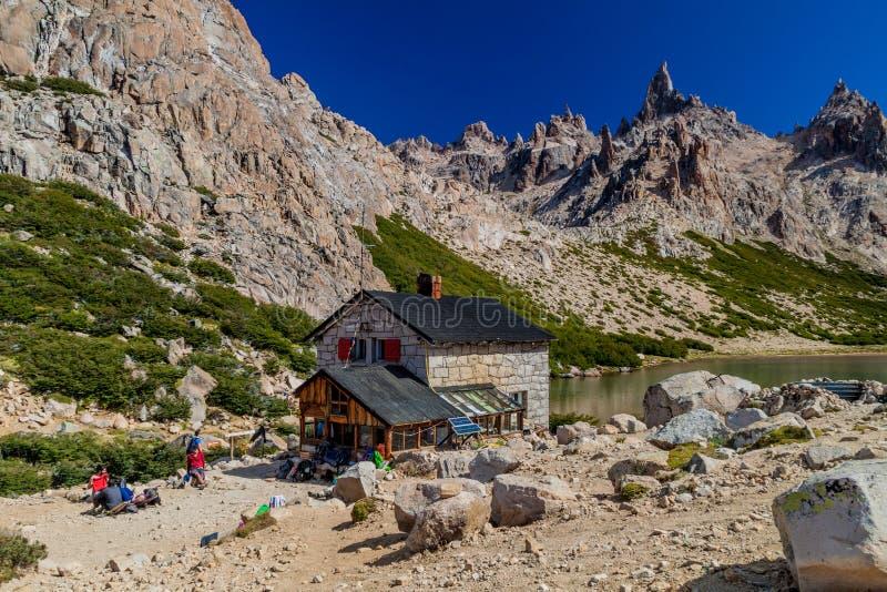 Хижина Refugio Frey горы около Bariloche стоковое фото rf