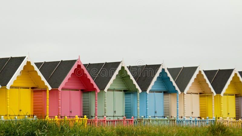 Хижины пляжа в западном острове Mersea стоковое изображение
