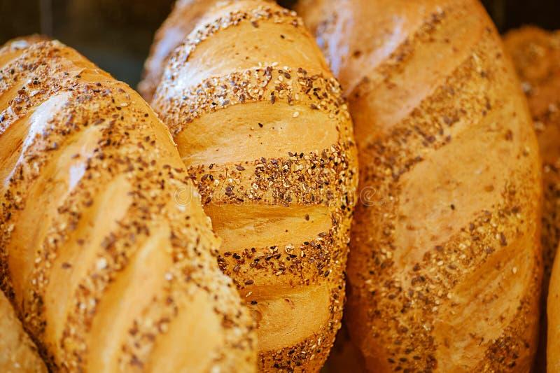 Хлебцы свежего белого хлеба стоковые изображения