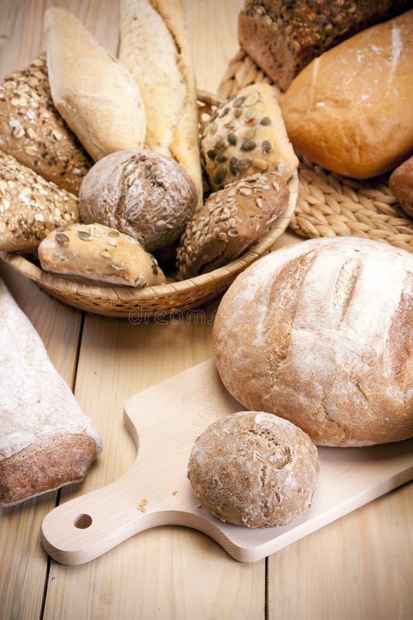 хлеб выпечки стоковые изображения