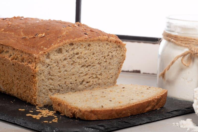 Хлеб домодельной очень вкусной клейковины свободный стоковое фото