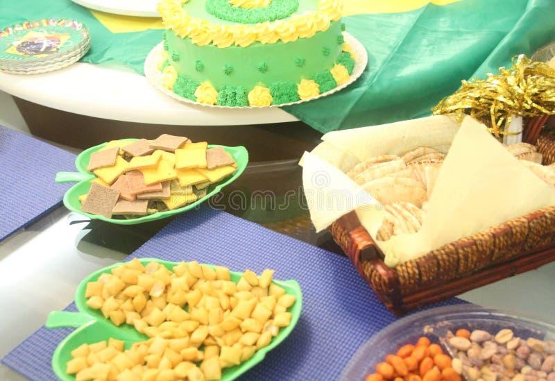 Хлеб покрашенный обедом цвета закуски тоста зеленый желтый Сан-Паулу Бразилия стоковые изображения