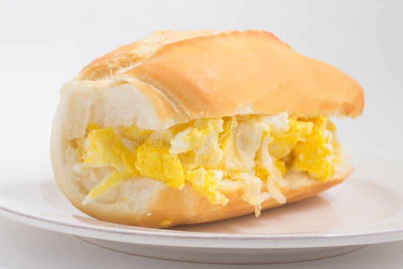 Хлеб с взбитым яйцом Ovo com Pao бразильянина стоковое фото rf