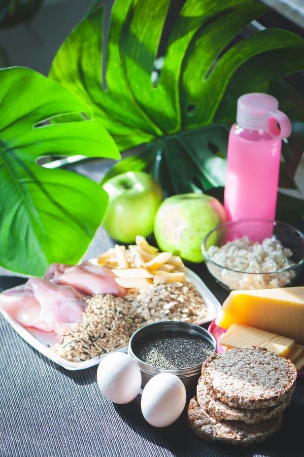 хлопья штанги diet пригодность Тема питания и спорт Shredded тело Резвит питание стоковые изображения rf