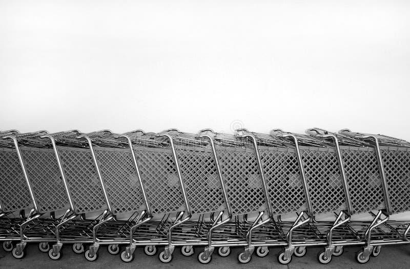 ходить по магазинам тележек стоковые изображения rf