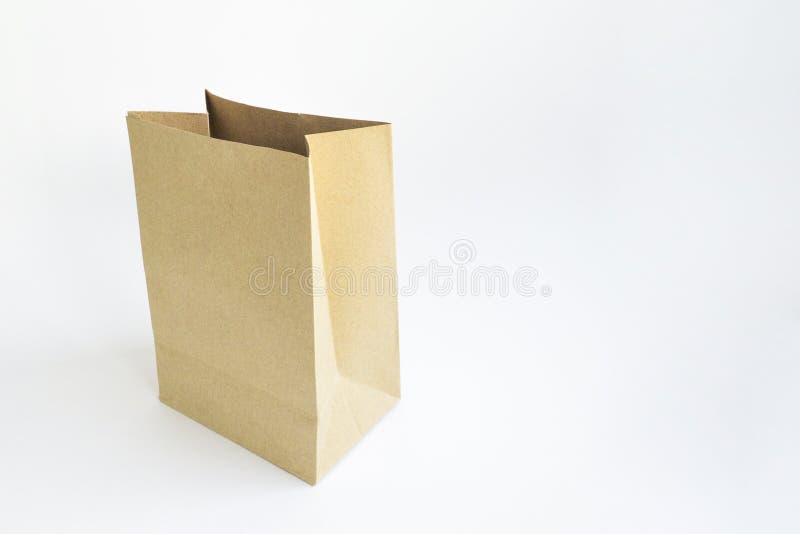 Хозяйственные сумки бумаги Брайна изолированные на белой предпосылке стоковое изображение rf