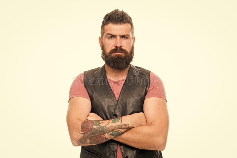 : Холить парикмахерской и бороды Вводить бороду и усик в моду Холить бороды тенденции моды Уход за лицом стоковое фото rf