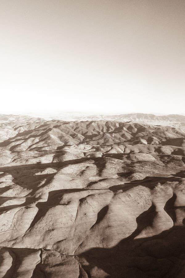 Холмы в высокой пустыне между Reno и Лаке Таюое стоковое фото rf