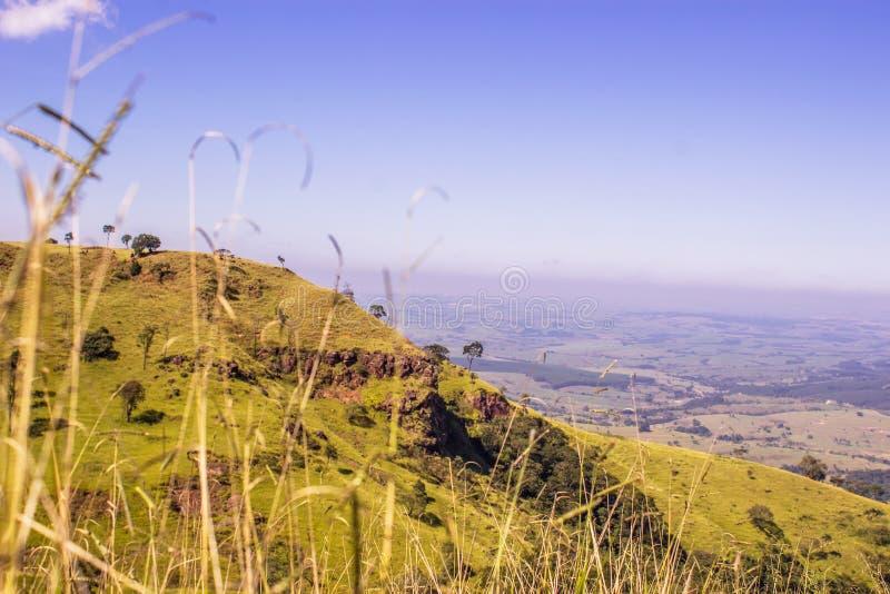 Холм и долина стоковая фотография rf