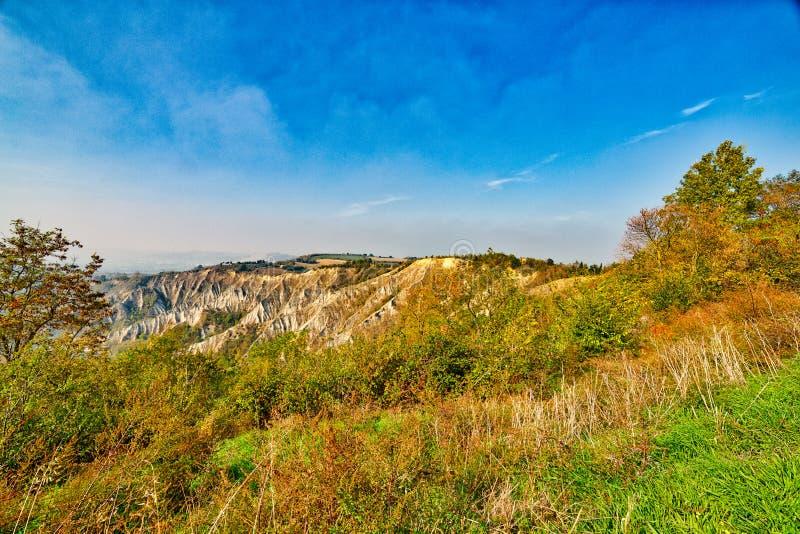 Холм amd неплодородных почв зеленый стоковое фото rf