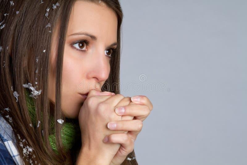 холодная женщина стоковое фото