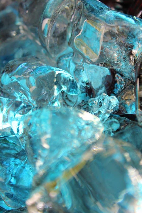 Холодная синь, teal и бежевые покрашенные кубы льда стоковые изображения rf