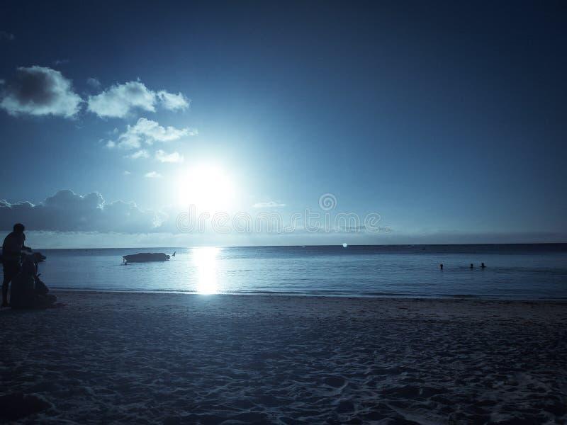 холодное солнце стоковое изображение