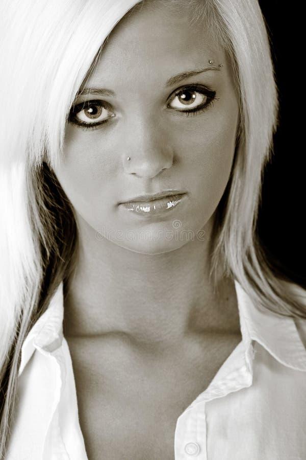холодный портрет девушки стоковые изображения