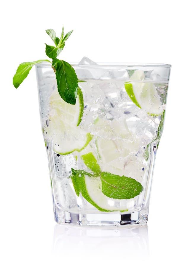 холодный свежий лимонад стоковое изображение