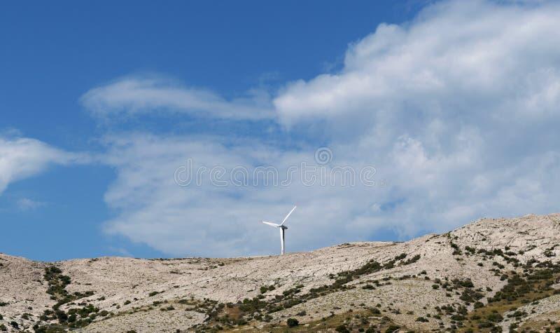 Хорватия, остров Pag, остров Pag, ветротурбины, зеленой энергии, окружающей среды, Европы, природы, ландшафта, лета стоковые изображения rf