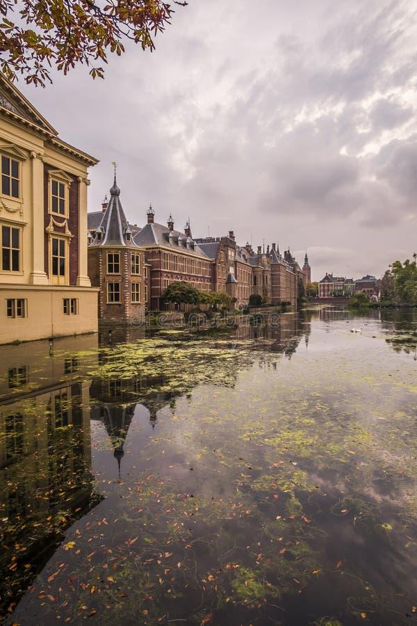 Хофвийвер и Бинненхоф в Ден Хааге, Нидерланды стоковые изображения rf