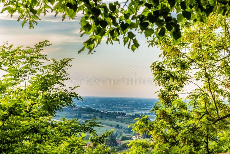 Холмистая сельская местность стоковая фотография