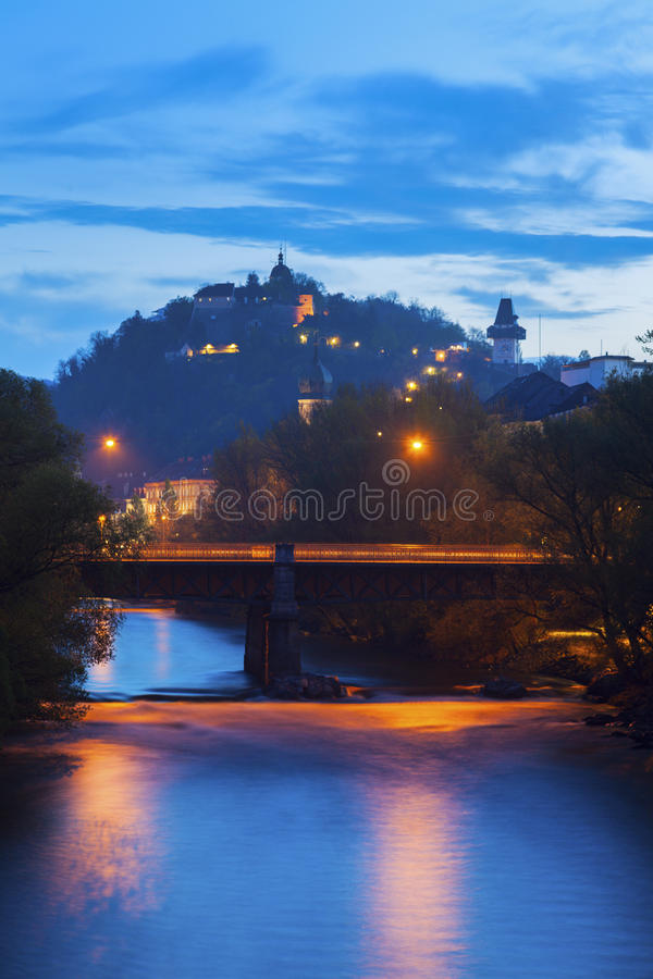 Холм замка и река Mur стоковое изображение rf
