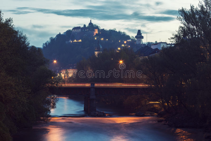 Холм замка и река Mur стоковые фото