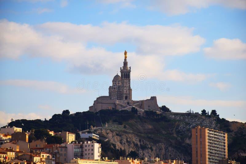 Холм марселя Garde Ла Basilique Нотр-Дам de стоковое фото rf