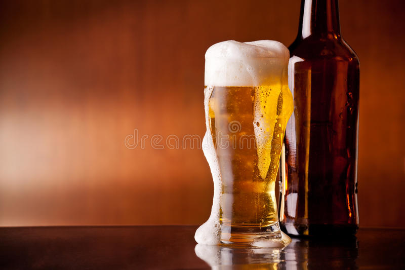 Холодное пиво стоковое изображение rf