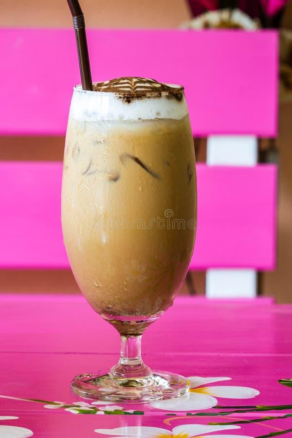Холодное питье кофе стоковые фото
