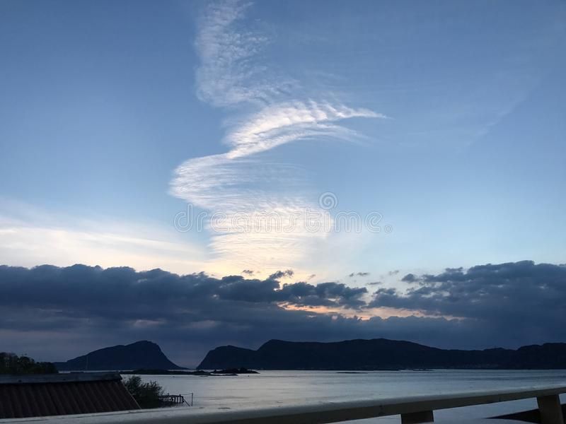 Холодное смотря образование облака стоковая фотография rf