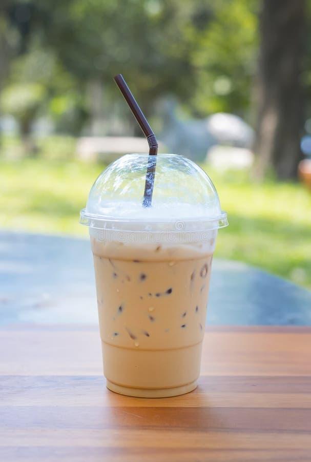 Холодные кофе и лед молока стоковые изображения