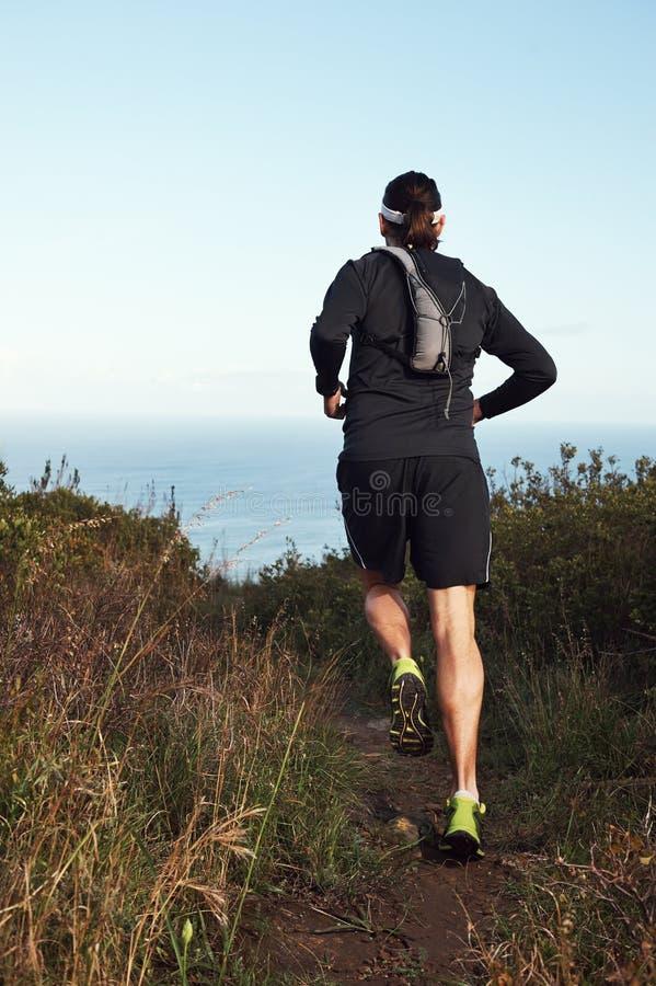 Download Ход фитнеса стоковое фото. изображение насчитывающей движение - 40580060