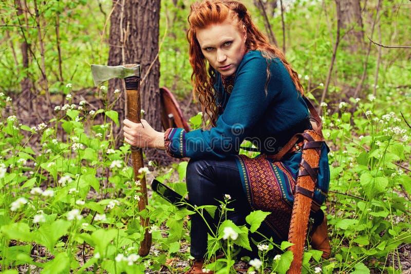 Храбрая скандинавская женщина стоковая фотография rf