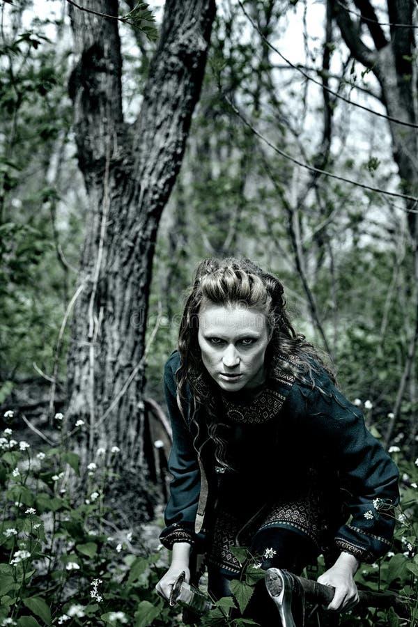 Храбрая скандинавская женщина стоковое изображение rf