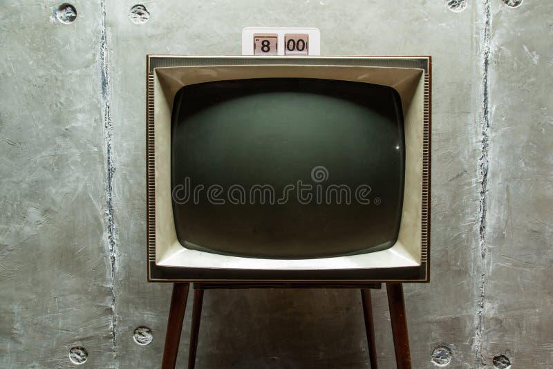 Часы на старом конце-вверх TV стоковое изображение rf