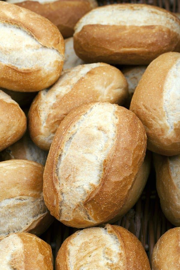 Хрустящие покрытый коркой золотистые крены хлеба стоковые изображения rf