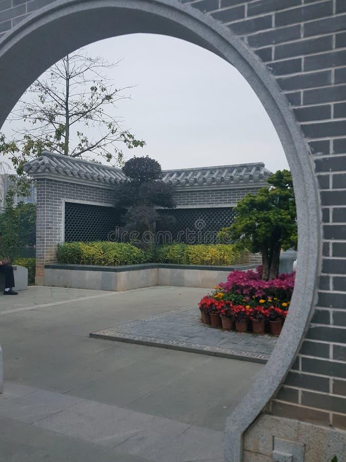 Художественная перспектива старинных зданий и садов в южном Китае стоковая фотография rf
