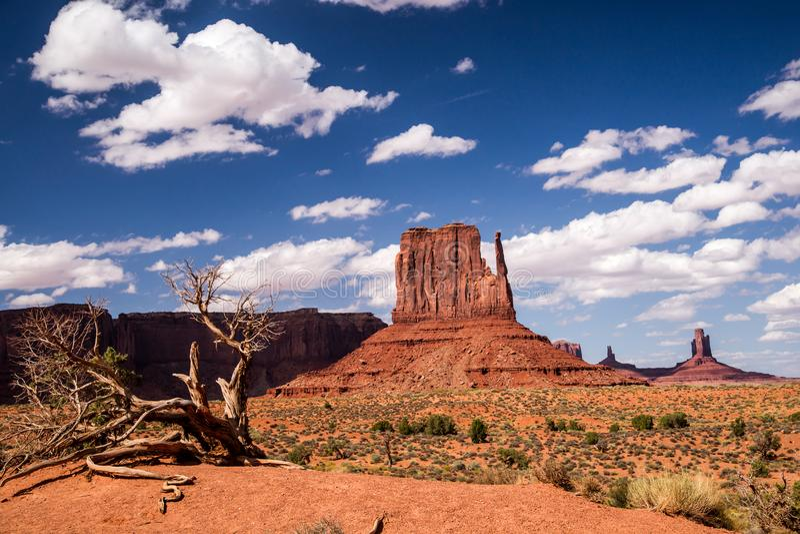 Художничество ` s природы на долине памятника стоковая фотография