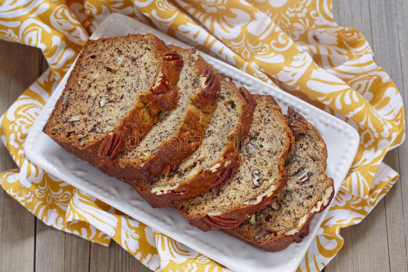 Хлеб банана с пеканом стоковое фото