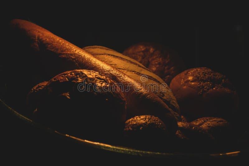 Хлеб в темноте стоковые изображения
