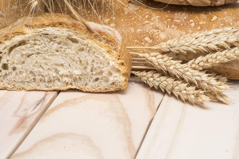 Хлеб и пшеница стоковые изображения rf