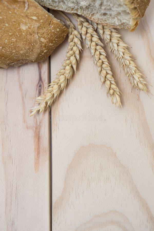 Хлеб и пшеница стоковые фотографии rf