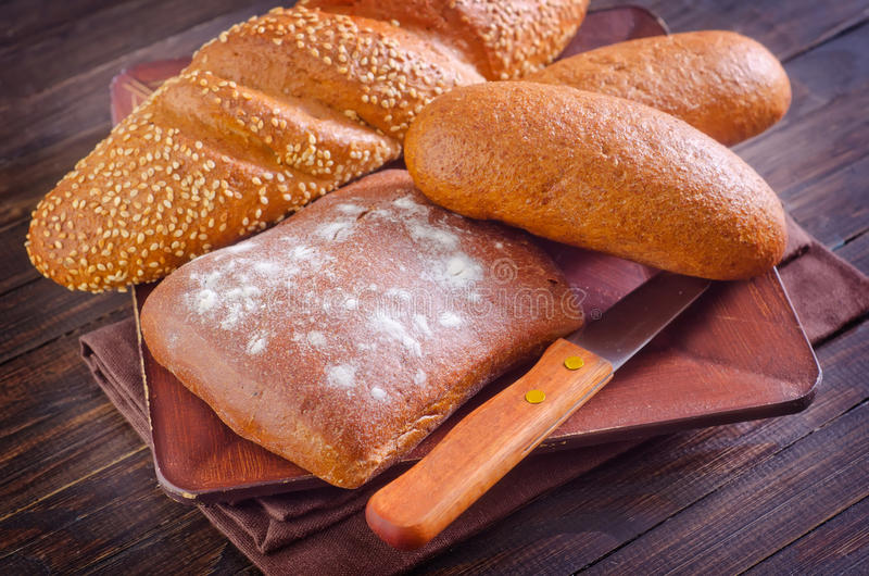 Download хлеб свежий стоковое изображение. изображение насчитывающей природа - 41660319