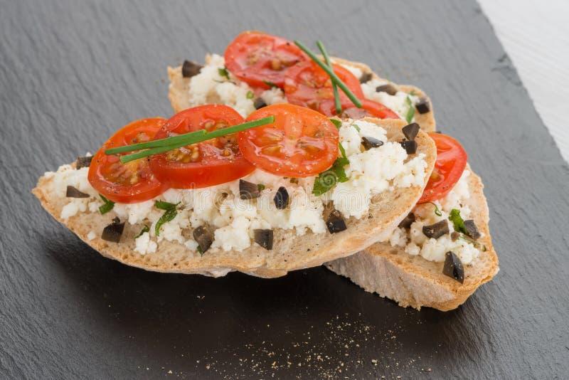 Download Хлеб с коттеджем стоковое фото. изображение насчитывающей closeup - 40578362