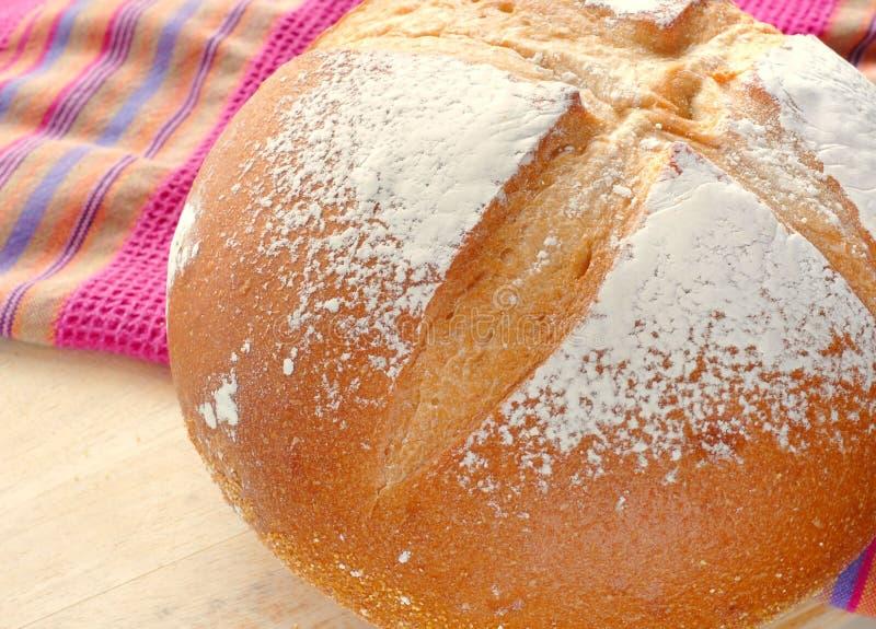 Download Хлеб стоковое изображение. изображение насчитывающей гора - 40582119