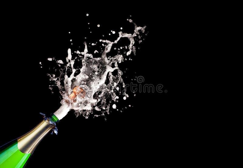 Хлопая шампанское стоковое изображение rf