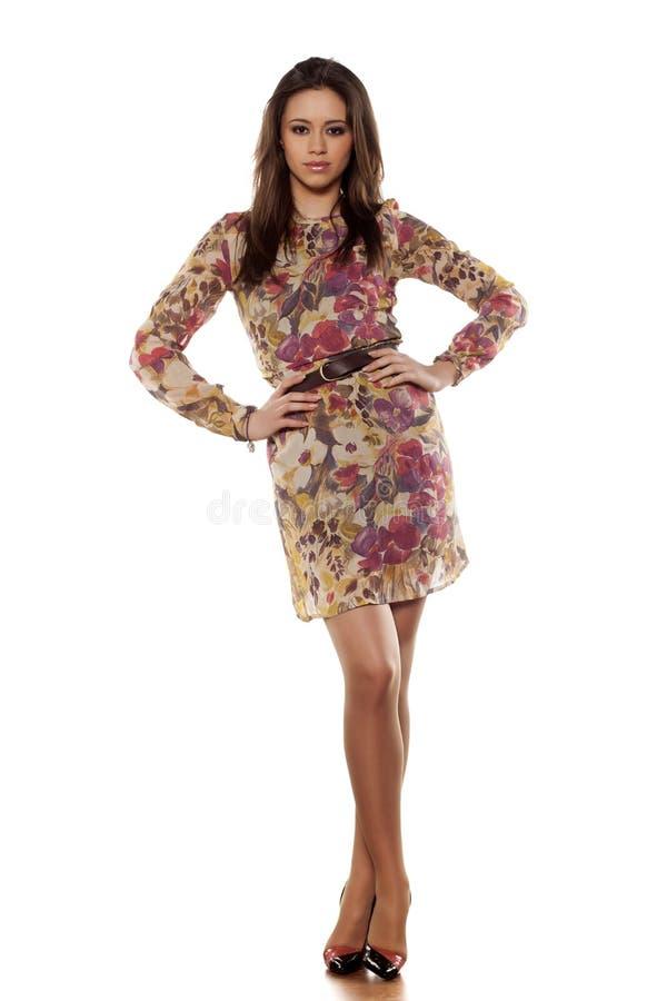 цветастая девушка платья стоковая фотография rf
