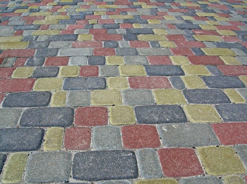 цветастая куча разнообразности облицовывает улицу стоковая фотография rf