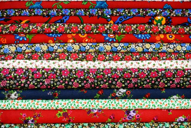 Download Красочная ткань стоковое изображение. изображение насчитывающей материал - 33730857