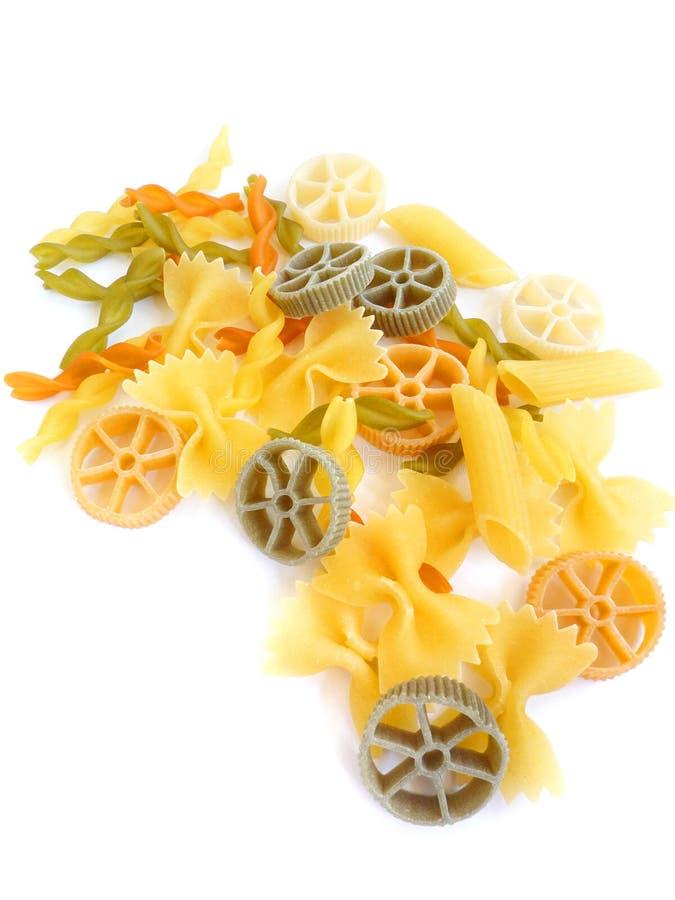 цветастые высушенные смешанные макаронные изделия стоковые фото