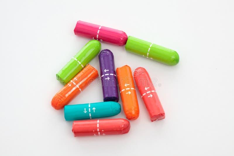 цветастые женственные тампоны гигиены стоковые изображения rf